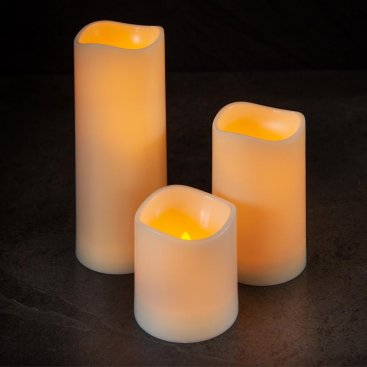 Flameless LED Candle 7.5 x 7.5cm