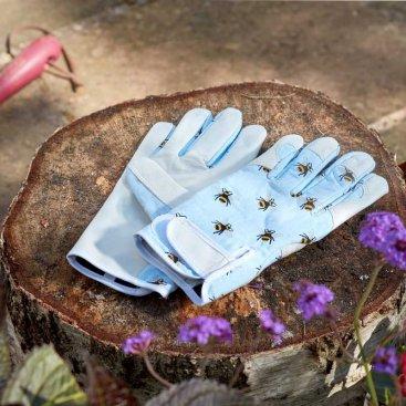 Bees Smart Gardeners M8