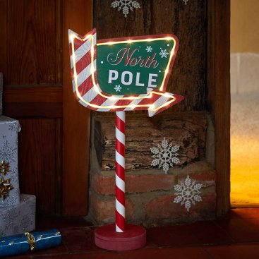 North Pole This Way!